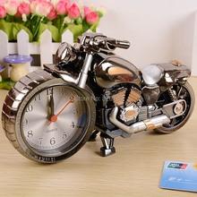 Kreative geschenk jungen Liebe 4 farben Mode coole Motorrad Form Wecker Kunststoff Nadel Heim Uhren Gute Souvenier