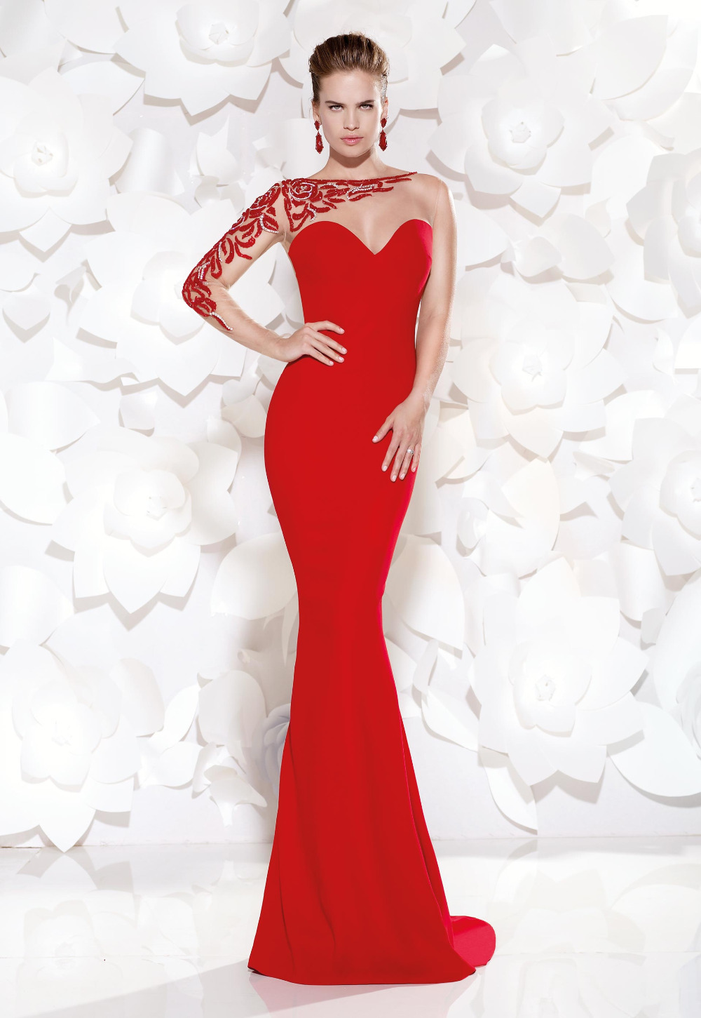 Elegant Long Sleeve Evening Dress Plus Size Formal Dresses For Special  Occasion Red Beading Prom Gowns Vestido De Festa Longo 802c5bbbf37f