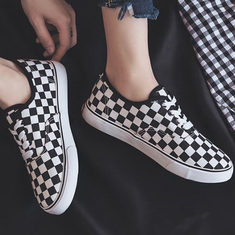 Women vulcanize shoes checkered fashion