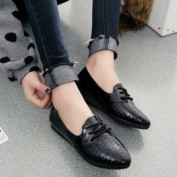 Qin Kuan New Spring Women Shoes  Pointed Toe Plus Size 35-39 Ladies  Women PU Leather Flat Doug Shoes