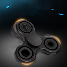 New Hand Spinner Fidget Spinner Stress Cube Hand Spinners Focus KeepToy And ADHD Anti Stress Toys Tri-Spinner (Color random)