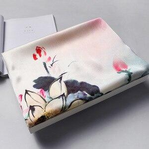 Image 5 - Japón diseño nueva bufanda de seda de las mujeres chal elegante regalo para dama chal floral de seda Natural bufanda Foulard 1 PC4