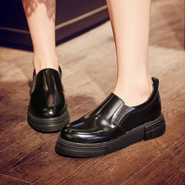2017 New Fashion Women Brand Shoes Genuine Leather Horse Hair Round Toe Classic Loafers Med Heels Women Pumps Thick Heel Shoes L
