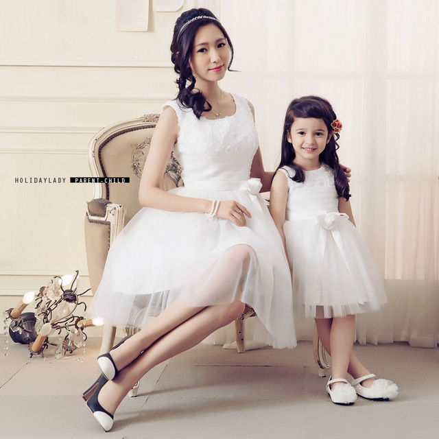 2018 Girl Princess Dress Fashion Mesh Matching Mother Daughter Clothes  Family Look Mom Daughter Dresses for 82b275c0569e