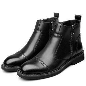 Image 3 - Disegno di stile britannico degli uomini di modo nero chelsea stivali signore della caviglia di avvio del cuoio genuino scarpe brogue intagliato bullock scarpe uomo