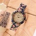 Nueva Moda Reloj de Lujo Flores Impreso de Ginebra Del Reloj Mujeres Reloj de Cuarzo Ocasional Elegante Popular de Las Señoras Vestido de Relojes Reloj de pulsera