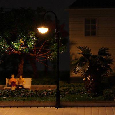 evemodel 5PCS Model Railroad train Lamp posts Yard street light Lamps OO/HO  scale LQS31 model train 1/76 railway modeling-in Model Building Kits from