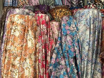 Tela de seda satinada impresa bufanda de seda peonía vestido de seda ropa forro COS