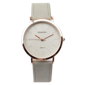 新しいブランドトップ高級ローズゴールドヴィンテージレトロシンプルなレザーストラップ女性腕時計レディー腕時計女性腕時計ガールホットギフトНаручныечасы