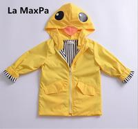 La MaxPa 2017 otoño nuevos muchachos y muchachas del bebé del estilo lindo larga sección cazadora niños capa pato amarillo