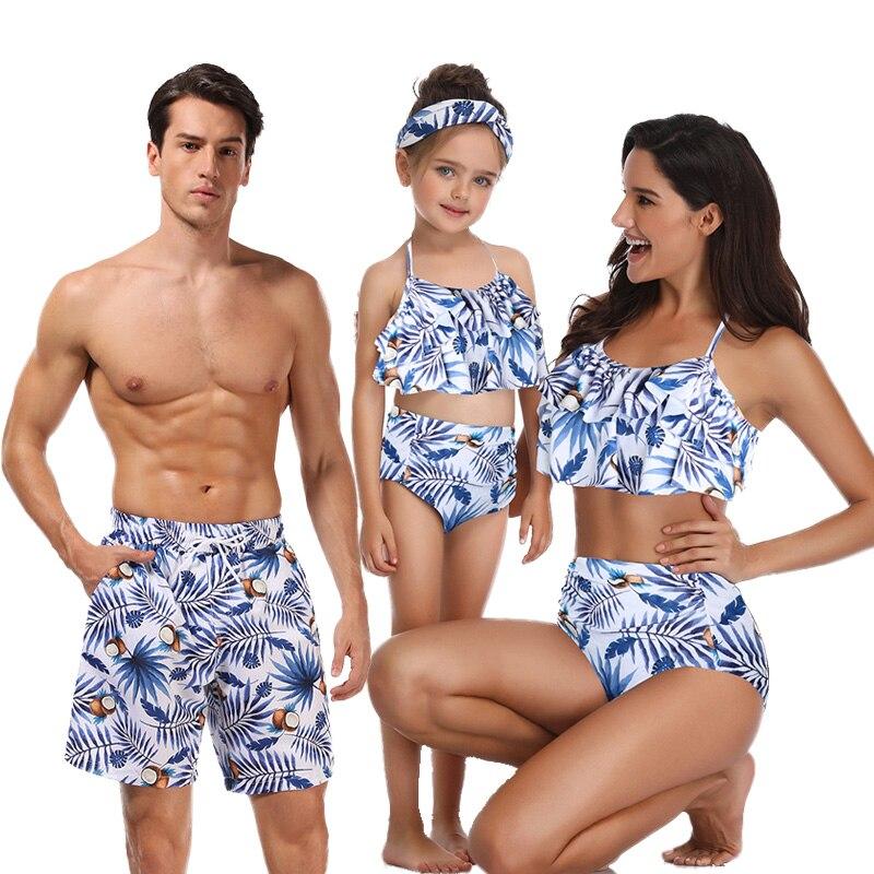 Matching Family Look Outfits Beach Wear Women Men Daughter Bikinis Swimsuits For Dad Mom Boys Girls Children Kids Short Swimwear