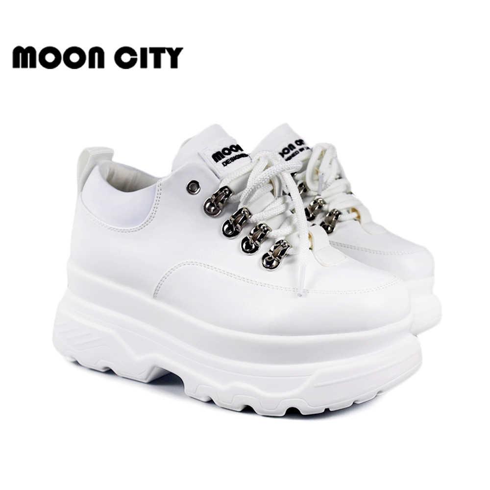 รองเท้าผ้าใบผู้หญิง 2019 ฤดูใบไม้ผลิใหม่รองเท้าแฟชั่นผู้หญิงรองเท้าสบายๆลูกไม้สีขาวยี่ห้อ Chunky รองเท้าผ้าใบสำหรับผู้หญิง