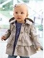 Moda juventus 2017 Primavera Otoño Niños Abrigos Abrigos Girls Trench Con Capucha Abrigos chaquetas para niños para niñas bebé niña abrigos