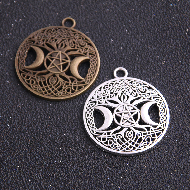 4PCS 34*39mm New Product Two Color Round Hollow Charms Moon Pentagram Pendant Jewelry Metal Alloy Jewelry Marking