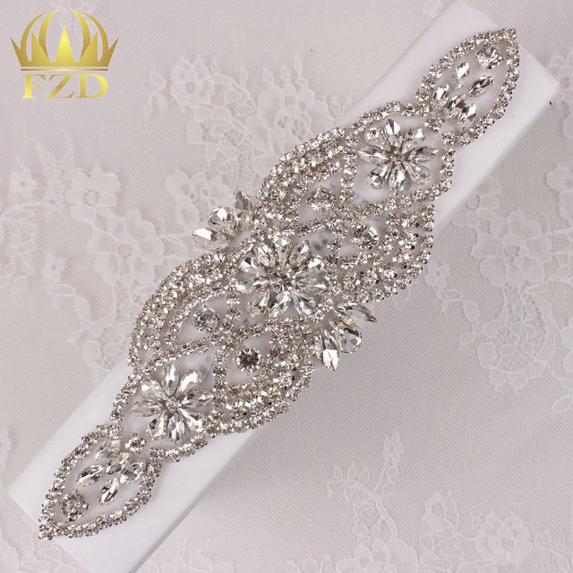 (30pieces) Wholesale Sewing On Hot Fix Rhinestone Sequin Beaded Applique  Decoration for Wedding Dresses Bridal Headbands or Sash a1a49075293e