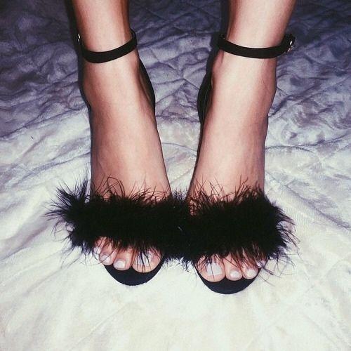 sandals fur