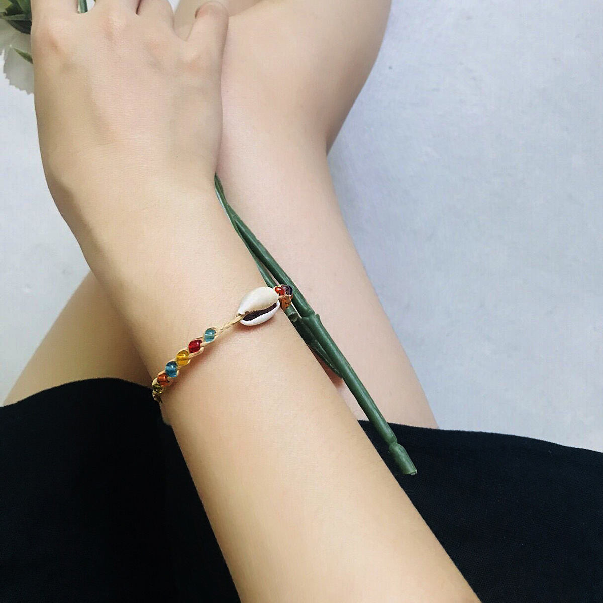 Bohemian Hand-woven Mass Contrast Color Rice Beads Shell Bracelet For Women Simple Burst Ethnic Jewelry Christmas Party Carnival