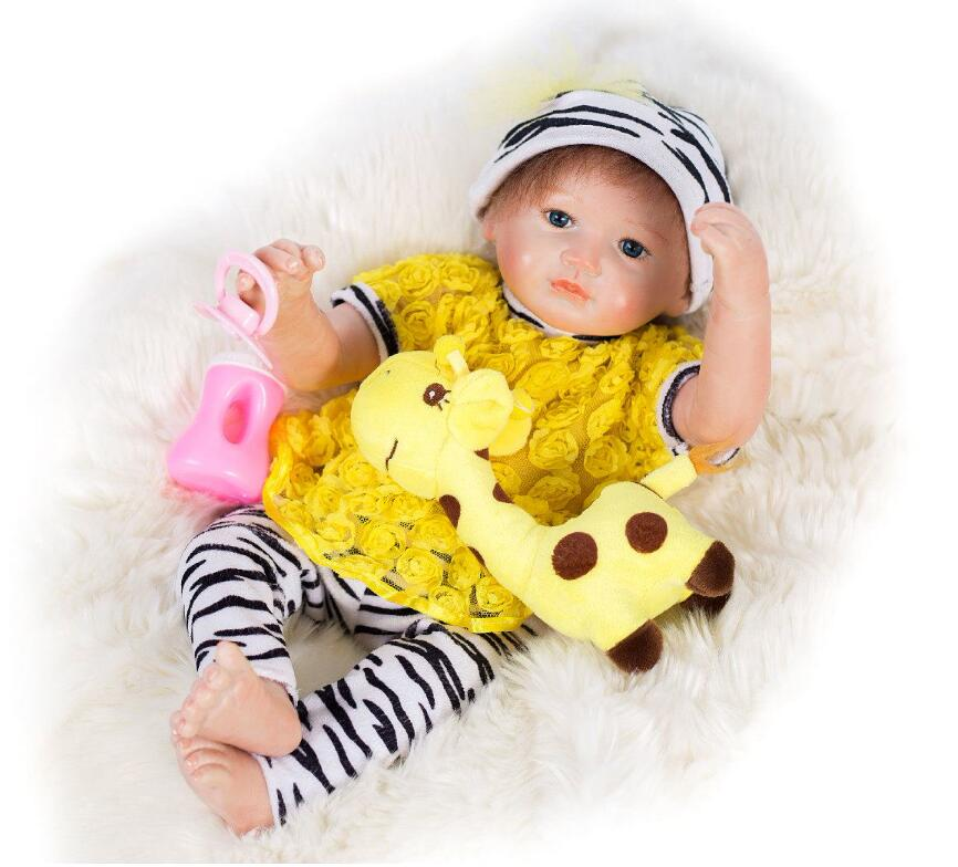 45cm vinyl reborn baby dolls lifelike soft lovely baby doll 18 lifelike playing toys for kids Christmas Gifts for girls children happy dollhouse family dolls small wooden toy set figures dressed characters children kids playing doll gift kids pretend toys