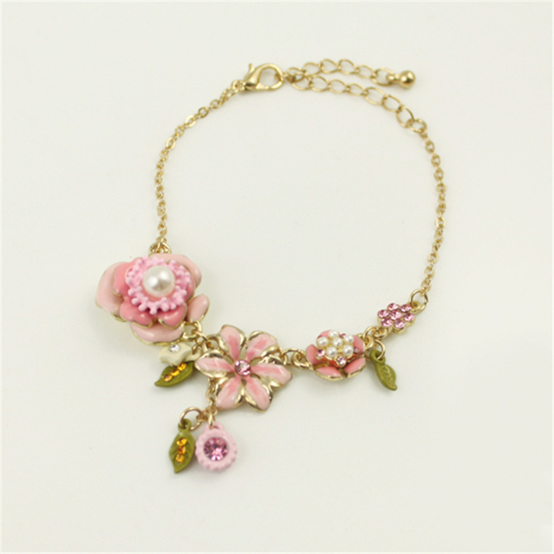 Free shipping 2015 Foreign jewelry fashion flowers pearl necklace bracelet female short clavicle