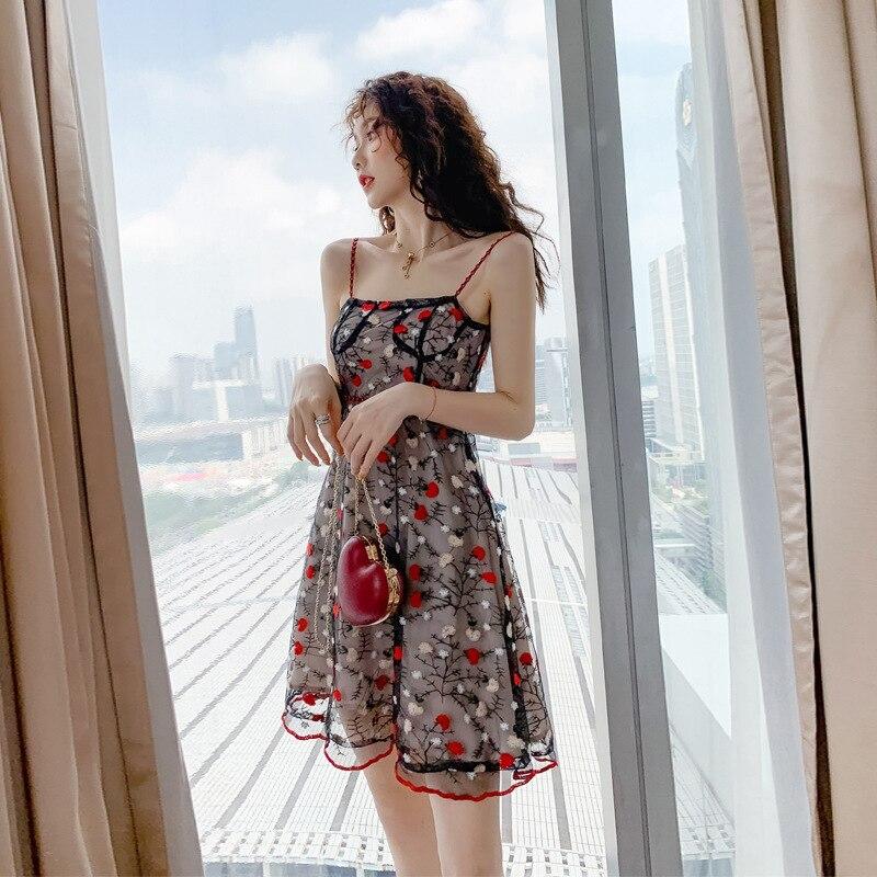 Robe de plage Vadim vente en gros 2019 nouveau tempérament des femmes célèbres, auto-culture et pendaison robes en forme de A transfrontalier