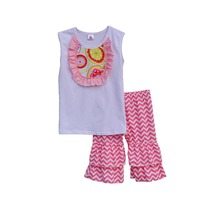 2017 Girls Set White Top Sleeveless Design Floral Chest Pacthwork Wavy-striped Ruffle Capris Kids Clothes Daily Outfits S038
