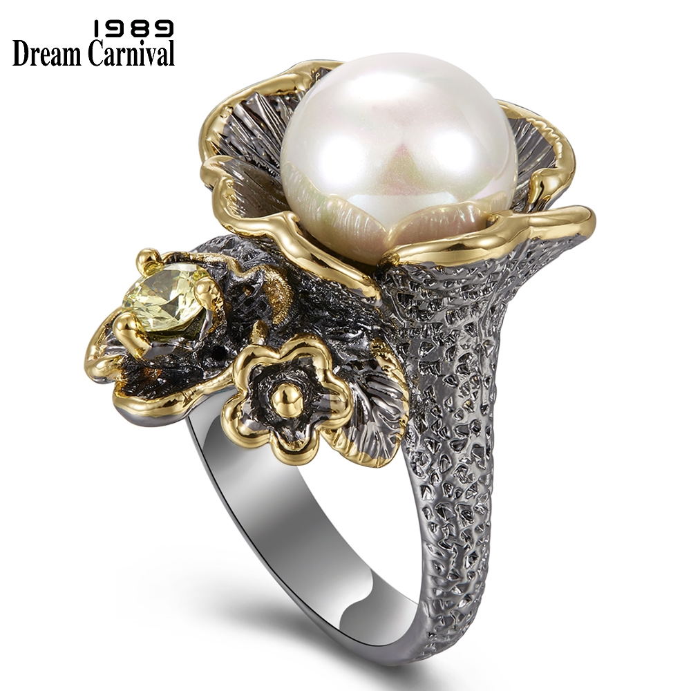 DreamCarnival 1989 New Arrived Vintage Ring for Women Flower Style with Olivine Zircon White Pearl Hot Pick Chic Jewelry WA11639(China)