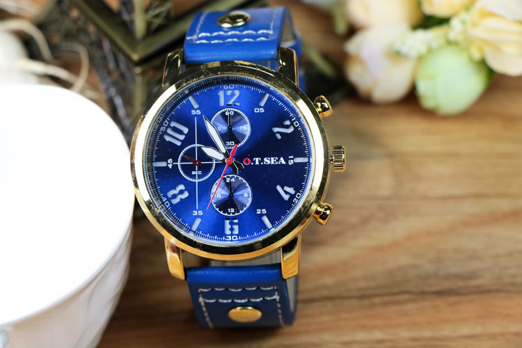 Watch Military Style with Leather Strap Blue Dial