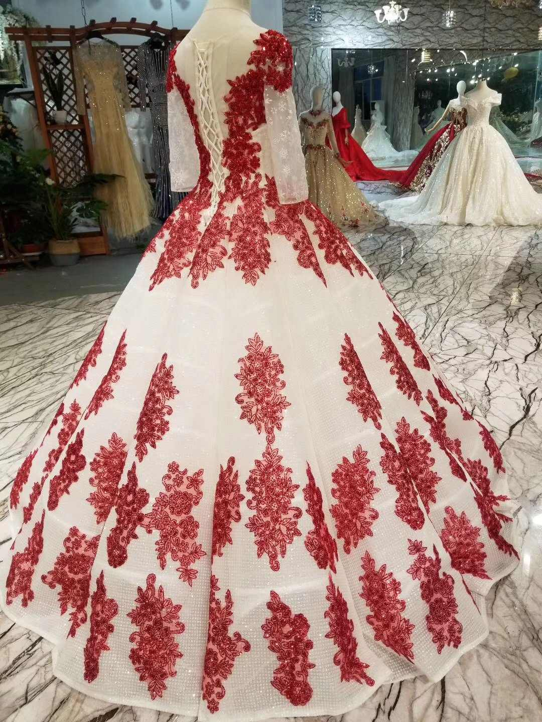 ... 2019 Latest Red Lace Tulle Ball Gown Prom Dresses Heavy Beading  Engagement Photos Red Carpet Formal ... 483518d099f2