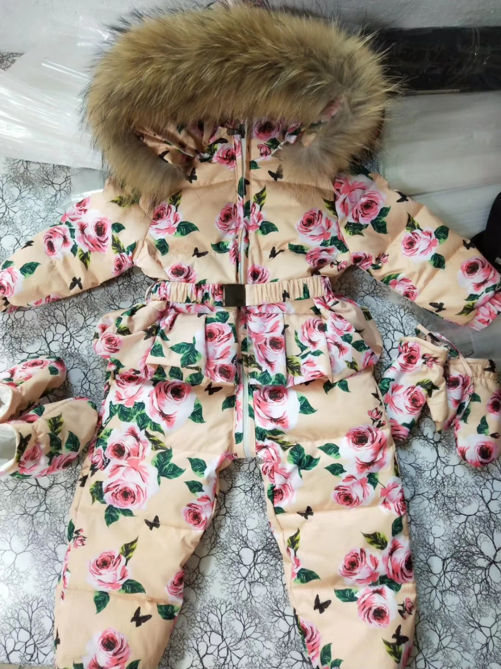 2018 Winter baby down coat Baby duck down suit outerwear Fur Hooded childrens Snowsuit down coats Child jumpsuit romper ski2018 Winter baby down coat Baby duck down suit outerwear Fur Hooded childrens Snowsuit down coats Child jumpsuit romper ski