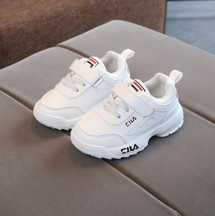 2019 de los niños de primavera deporte Zapatillas de deporte de moda niños antideslizante zapatillas de deporte suaves niños niñas Niño Zapatos