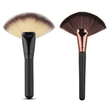 1 PC Fan Shape Cosmetic Brush Blending Highlighter Contour Face Powder Makeup New
