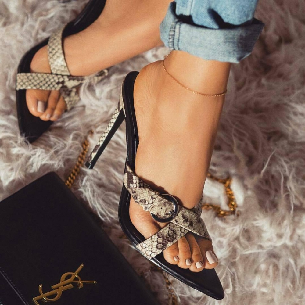 2019 New Summer <font><b>Woman</b></font> <font><b>Slipper</b></font> <font><b>Sex</b></font> Leopard grain Stiletto <font><b>Shoe</b></font> Sandal <font><b>Woman</b></font> Thin <font><b>Heels</b></font> Buckles Pointed Toe Ladies Summer <font><b>Shoes</b></font> image