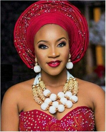 Dubai Or Costume Femmes Déclaration Collier Ensemble Charmes Blanc Africaine Perles Bijoux De Mariage pour les Mariées Cadeau D'anniversaire ABH590