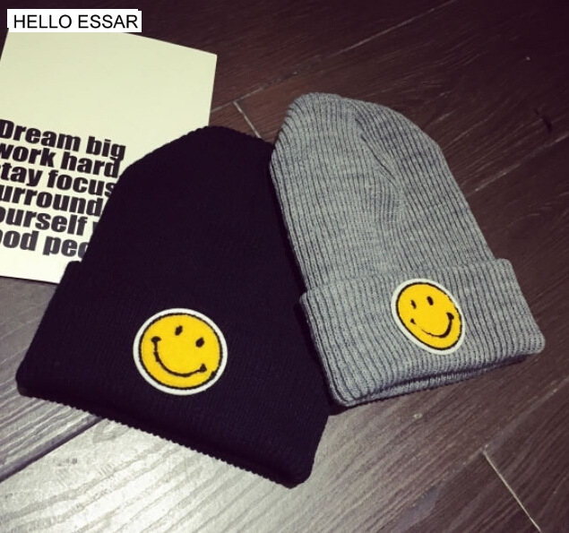 Cute smiling face Women Men Knitted Winter Cap Casual Beanies Solid Color Hip-hop Snap Hat Gorro 90016