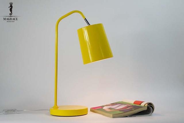 Semplice nordic flessibile lampada da tavolo moderna macaron studio