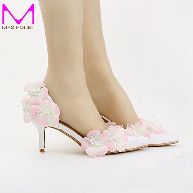 ФОТО White Satin Bride Shoes 7cm Middle Heel Pink Flower Wedding Party Shoes Beautiful Pointed Toe Spring Pumps 2016 New Design