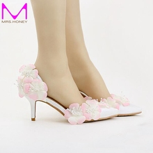 White Satin Bride Shoes 7cm Middle Heel Pink Flower Wedding Party Shoes Beautiful Pointed Toe Spring Pumps 2016 New Design