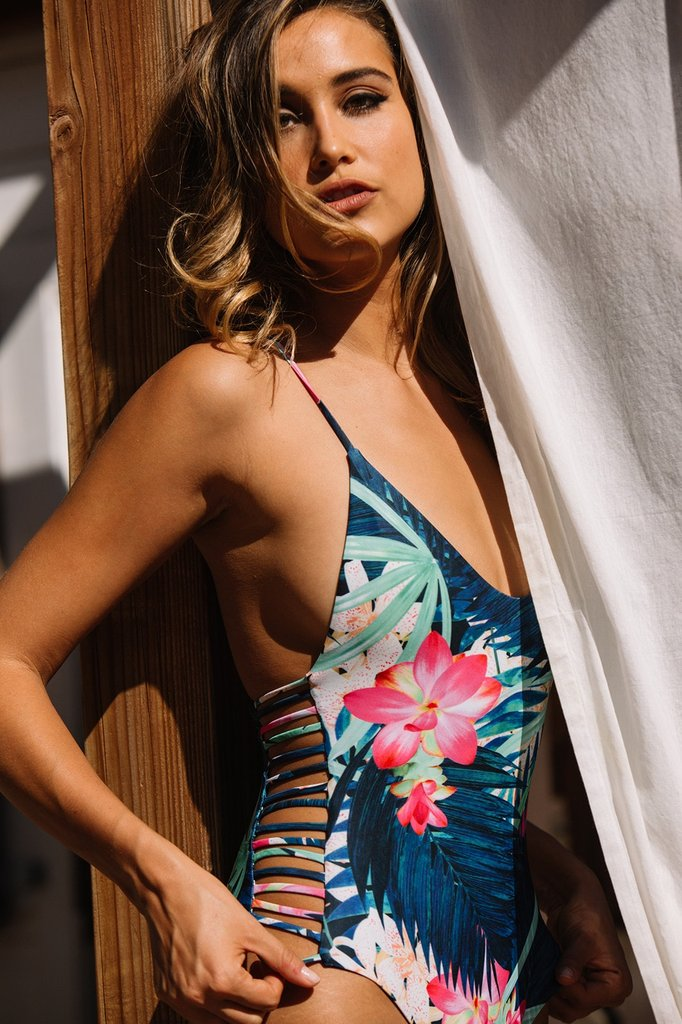 Sexy-Swimsuit-Women-High-Cut-Swimsuit-Side-Hollow-Out-Monokini-Leaves-Print-Swimwear-One-Piece-Bathing (4)