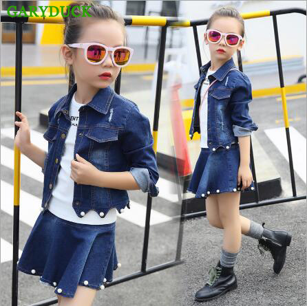 GARYDUCK 2017 Spring/Autumn Girls Clothes Casual Long-Sleeve Pearl Denim Suits Baby Girl Denim Jacket+Jeans Pants 2 Pieces Sets 2017 spring new women sweet floral embroidery pastoralism denim jeans pockets ankle length pants ladies casual trouse top118