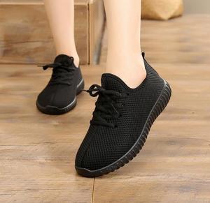 Image 2 - Zapatos de tela para mujer, zapatillas deportivas informales planas, antideslizantes, cómodos, de encaje, individuales