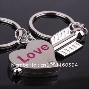 Free shipping (40PR/LOT )Wholesale Alloy An arrow impale heart lover Couple keychains Valentines Gift Key Ring