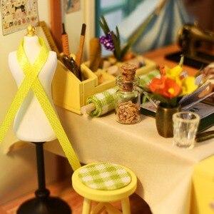 Image 5 - Robud DIY ドールハウス家具とライト木製ミニチュアドールハウスキットおもちゃのためのギフトリサのテーラー DG101