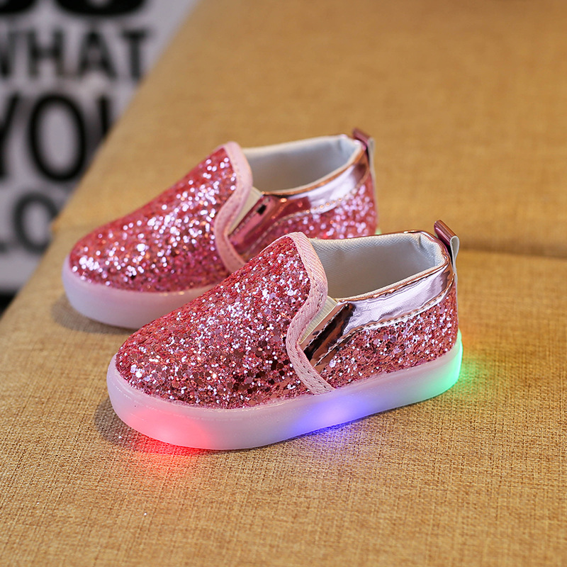 2018 spring childrens shoes lazy Peas shoes LED flashing lights boys and girls childrens Korean shoes EU size 21-30