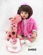 Muñeca reborn de 50 cm con jirafa rosa