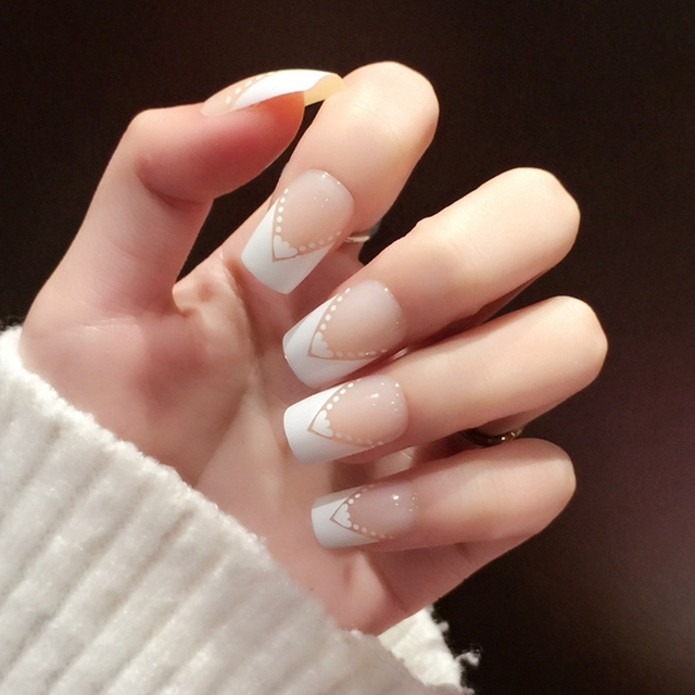 White Flat French Nails Heart Angle Beige Lady Fake Medium Acrylic Nail Kit 24pcs Easy