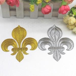 Image 2 - YACKALASI 20 stuks/partij Gouden Bloem Geappliceerd Lotus Ijzer op Borduurwerk Patches Fleur De Lis 10 8.5cm