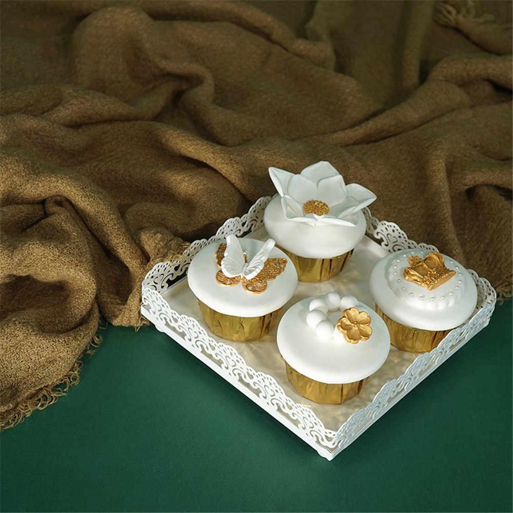 Nordic Logam Renda Hollow Penyimpanan Tray Chic In Buah Kue Dessert Plate Mewah Putih Square Perhiasan Display Tray Rumah Meja dekorasi
