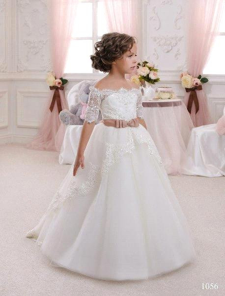 2019 New Arrival White Ivory Princess Ball Gown Lace Flower Girls Dresses With Sash Half Sleeves Girls First Communion Gowns
