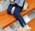 2016 Estilo de La Escuela 2-14Y Baby Girls Jeans Otoño de Moda Niños de Los Niños Niñas Grandes Pantalones Vaqueros Cremallera Lateral Pantalones Lápiz Leggings