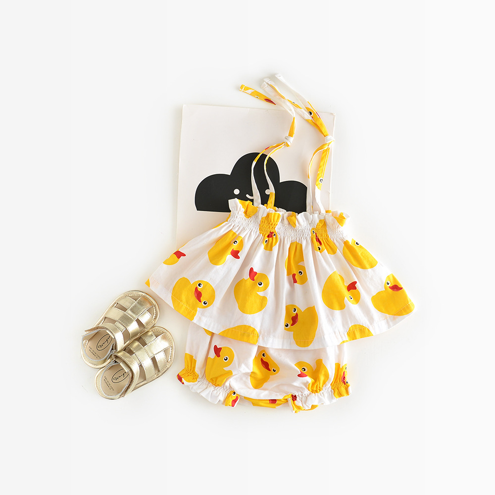 The Baby Girls Summer Suit Korean Cute Little Yellow Duck Tape Two Piece Baby Girl Clothes Baby 2 piece Set shirt +short